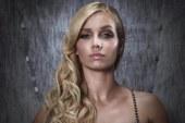 Aí está a nova música de Luciana Abreu [vídeo]